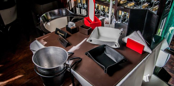 leather-menu-covers-accessories